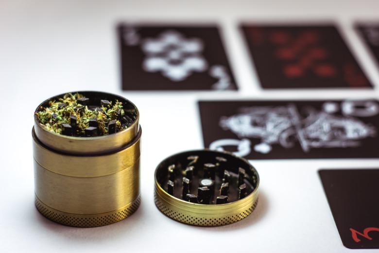 molinillo de marihuana legal