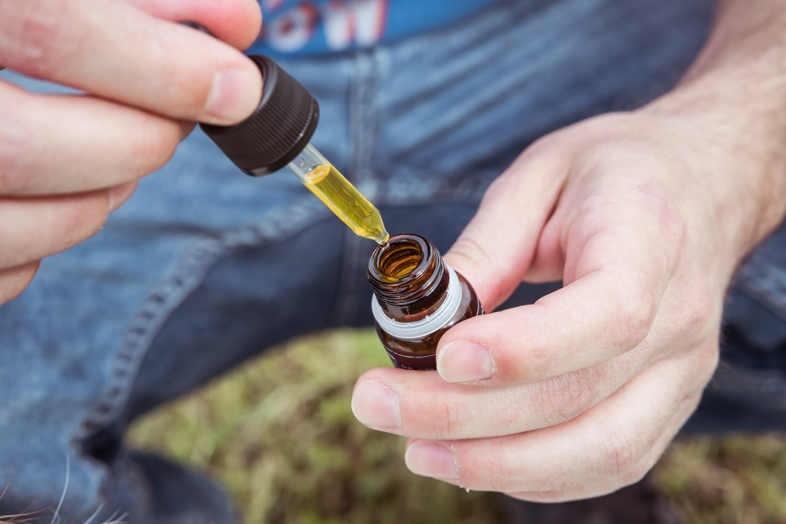 Aceite de cannabis legal con CBD