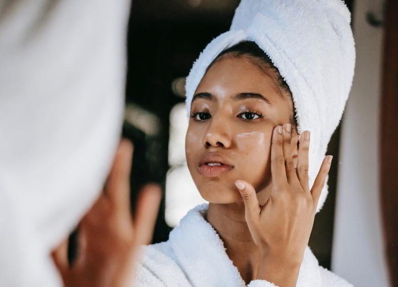 Crema de cáñamo y propiedades cosméticas para el rostro.